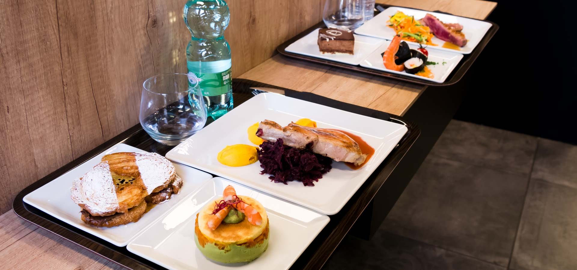 plateaux repas rennes place de bretagne chez les pot o feu. Black Bedroom Furniture Sets. Home Design Ideas